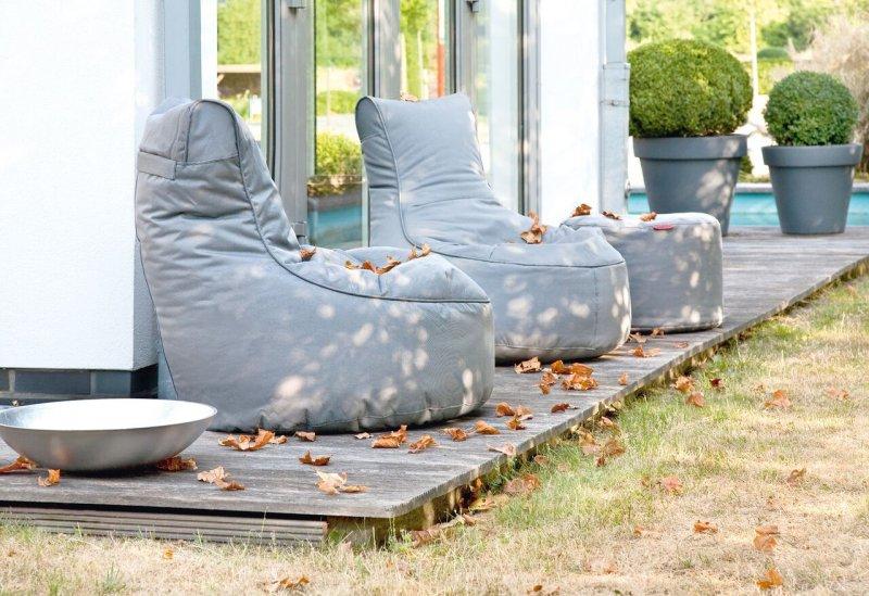 outdoor sitzs cke. Black Bedroom Furniture Sets. Home Design Ideas