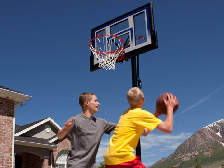 Lifetime Basketballanlage und Basketballkorb